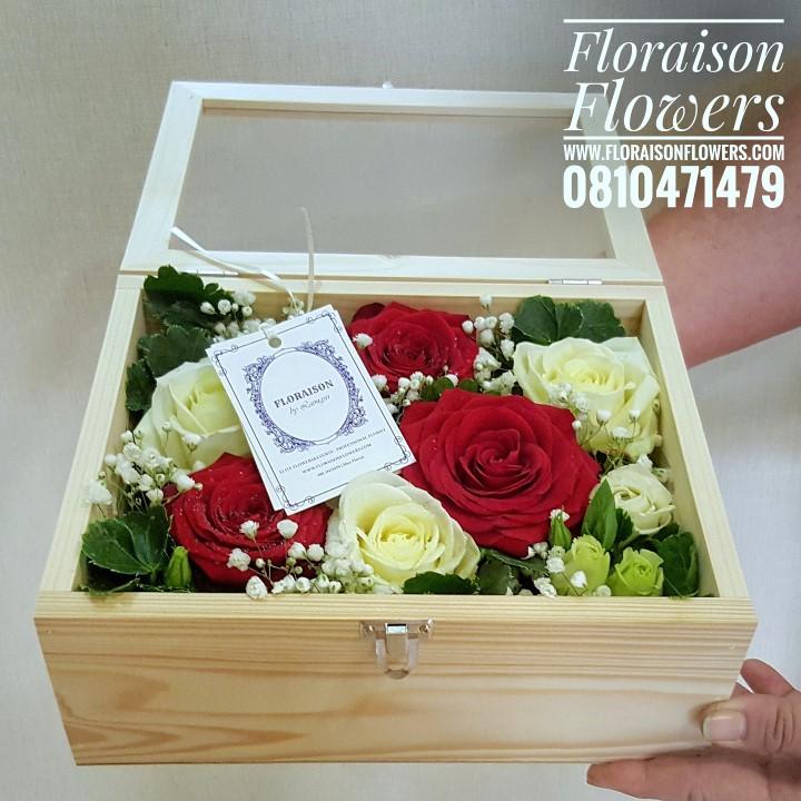 กล่องดอกไม้ กล่องไม้กระจกใส (L)