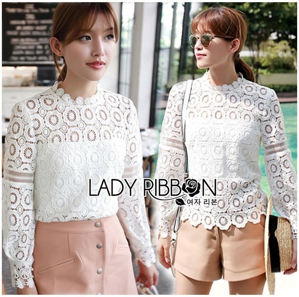 เสื้อแขนยาวผ้าลูกไม้สีขาวทรงคอสูงสไตล์วินเทจ ดีไซน์นี้มีซับในให้ด้วยค่า by Lady Ribbon