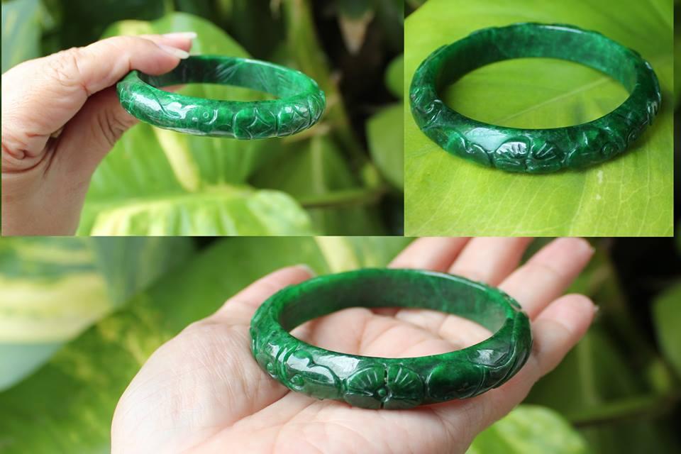 กำไลหยกพม่าสีเขียวจักรพรรดิ์ลายธรรมชาติสลักลายดอกไม้