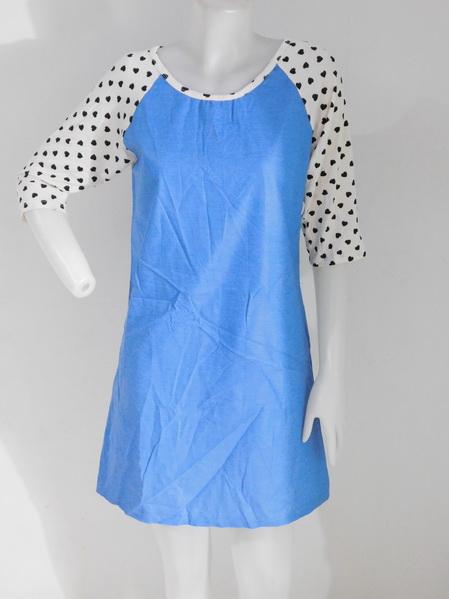 954696 ขายส่งเสื้อผ้าแฟชั่นผ้ายีนส์ผ้าเนื้อดีไม่หนา แขนแต่งผ้ายืดลายหัวใจสวยงามดูดีค่ะ รอบอก 36 นิ้ว