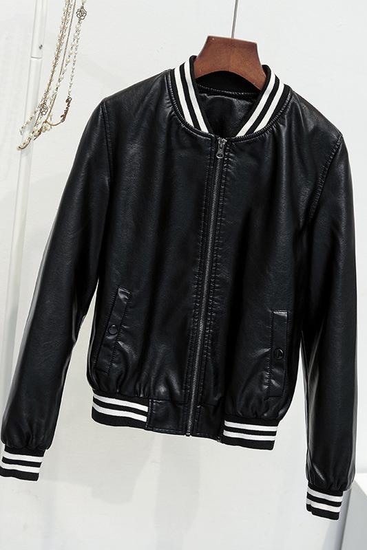 เสื้อแจ็คเก็ต เสื้อหนังแฟชั่น พร้อมส่ง สีดำ แขนยาว จั้มช่วงเอวและแขนเสื้อลายทางเก๋
