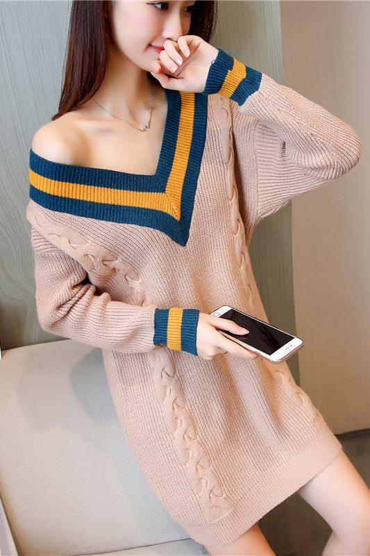 เสื้อกันหนาวไหมพรม พร้อมส่ง สีกากี คอเสื้อวี สลับสีเก๋ แขนยาว ถักลายลูกโซ่ด้านหน้า น่ารักๆ ใส่กันหนาวได้ค่ะ