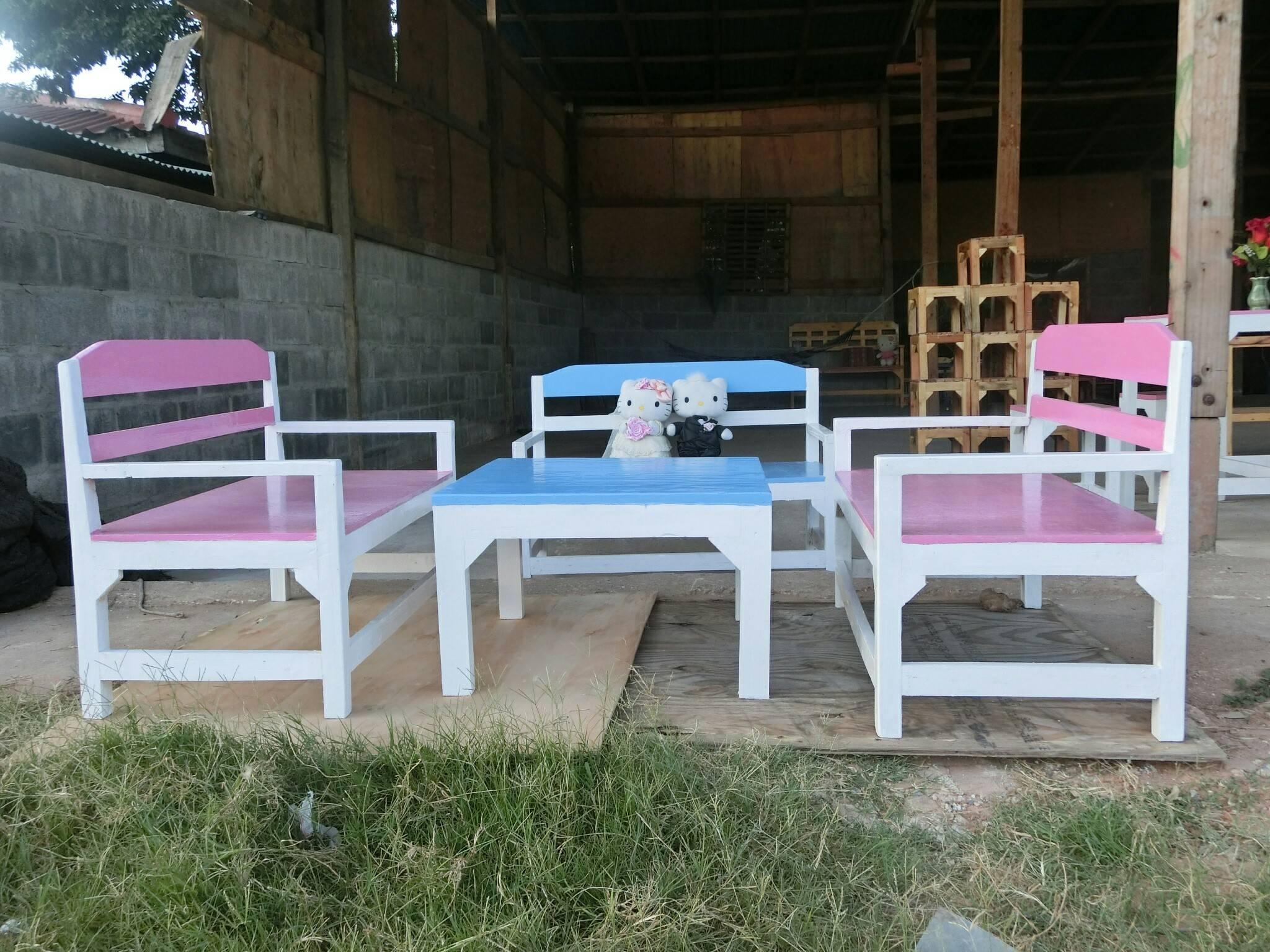set โต๊ะกับเก้าอี้