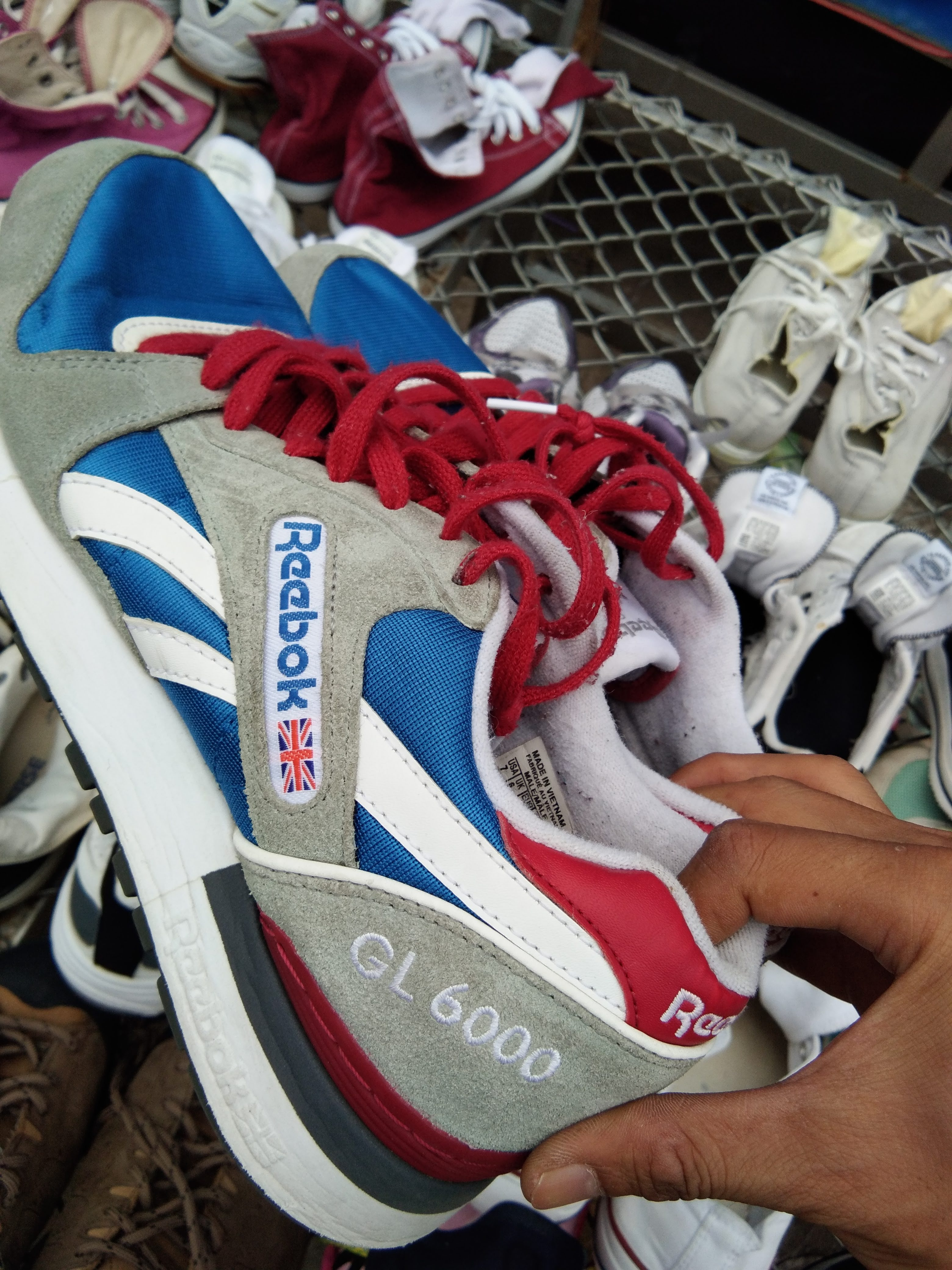 สั่งคัด รองเท้าผ้าใบ มือสอง สภาพคัด งานป้าย ตลาดโรงเกลือ
