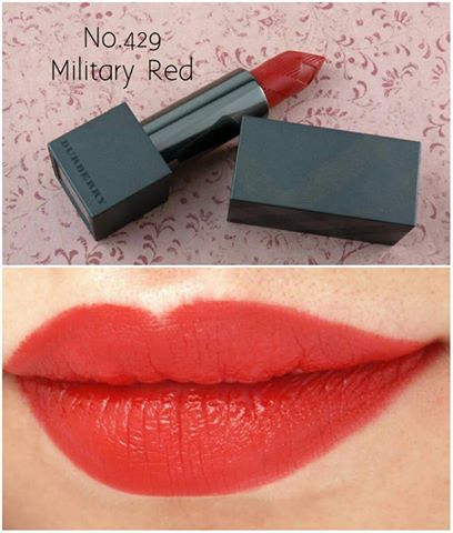 BURBERRY Lip Velvet Long Lasting Matte Lip Colour No.429 Military Red ปริมาณ 0.8g.(ขนาดทดลอง) มีกล่อง