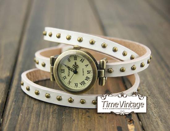 นาฬิกาหนัง พันข้อมือ 3 รอบ-สีขาว (ฟรีค่าจัดส่ง EMS)