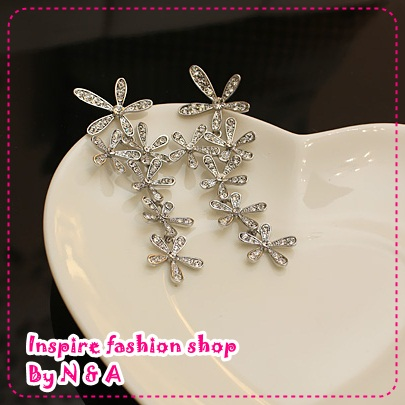 ตุ้มหูยาวดอกไม้สีเงิน Han things noble and full of that drilling big wrinkle daisy flower earrings high quality earrings earrings female
