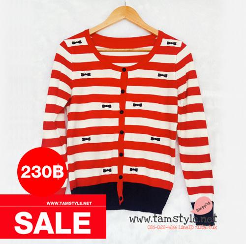 Coat-029 เสื้อคลุมไหมพรมลายขวาง สีแดง ขาว ลายปัก รูปโบว์สีกรม ผ้านิ่มใส่สบายจ้าาา อก ได้ถึง 38นิ้ว ยาว 25 นิ้ว