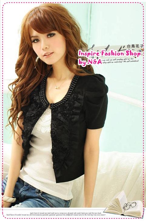 เสื้อคลุมแขนสั้นดอกกุหลาบประดับไข่มุกสีดำ new summer rose lovers pearl collar of roses decorated with short-sleeved jacket shawl (Preorder)