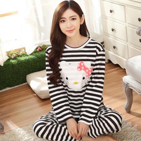 [Preorder] ชุดนอนแฟชั่น Hello Kitty เสื้อแขนยาวกางเกงขายาว สีดำ (ไซส์ M L XL XXL XXXL) hellokitty cotton sleepwear female autumn big yards female long-sleeved pajama suit tracksuit cartoon cute spring and autumn