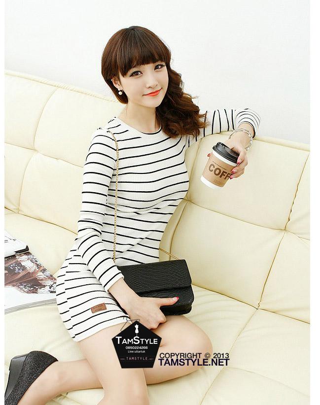 Dress122 - เดรสแฟชั่น เดรสลายขวางเข้ารูป ขาวดำ จ้า อก 36 ((เดรสแฟชั้นพร้อมส่ง))