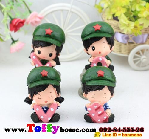ตุ๊กตาเรซิ่นห้อยขาน่ารักทหารสื่อรัก ขนาด 5*6*8 cm.