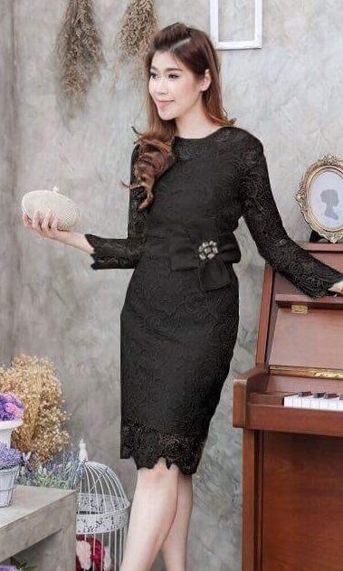 (Size M )ชุดเดรสสีดำ ชุดแซกสีดำ ชุดทำงานสีดำ ลูกไม้แขนยาว ด้านในเย็บซับในอย่างดี งานละเอียดปราณีตสุดๆเลยคะ ชุดนี้งานดีสุดๆคัตติ้งเริ่ดมากกก