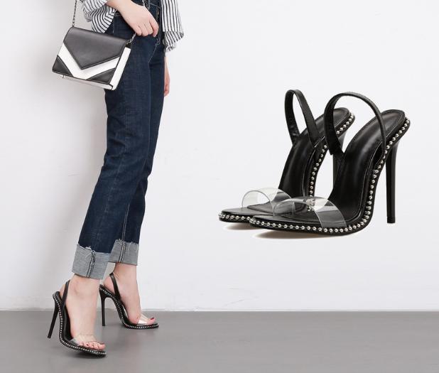 รองเท้าส้นสูงแบบเก๋สีดำ ไซต์ 35-40