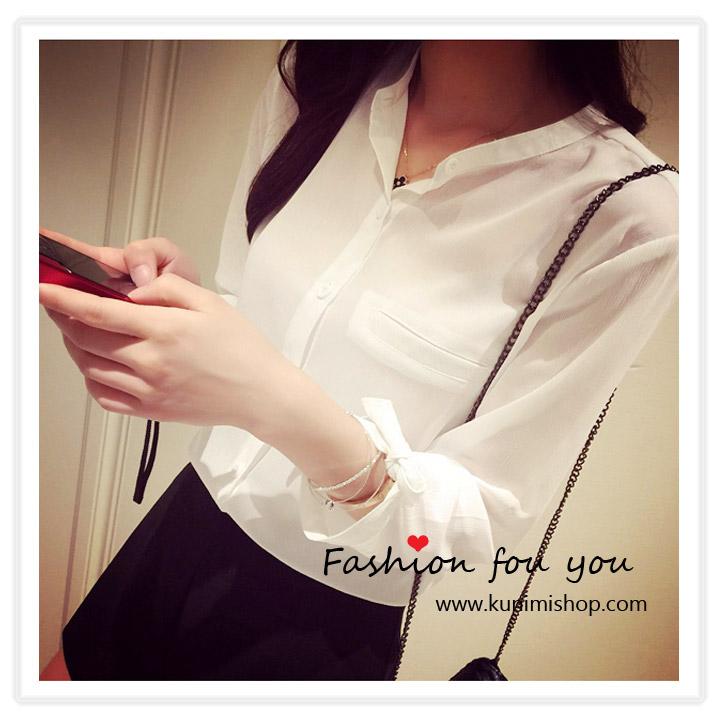 เสื้อแฟชั้น เสื้อเชิ้ต คอจีน กระดุมผ่าหน้า แขนยาว ช่วงปลายแขนมีเชือกผูกเป็นโบว์ ผ้าชีฟอง พลิ้ว ใส่สบาย รับกับหน้าร้อนคะ Free Size : รอบอกไม่เกิน 34 นิ้ว ผ้า : ผ้าชีฟอง