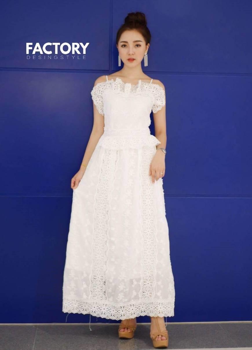 ชุดเดรสเกาหลี พร้อมส่ง Maxi Dress ลูกไม้แน่นทั้งตัว