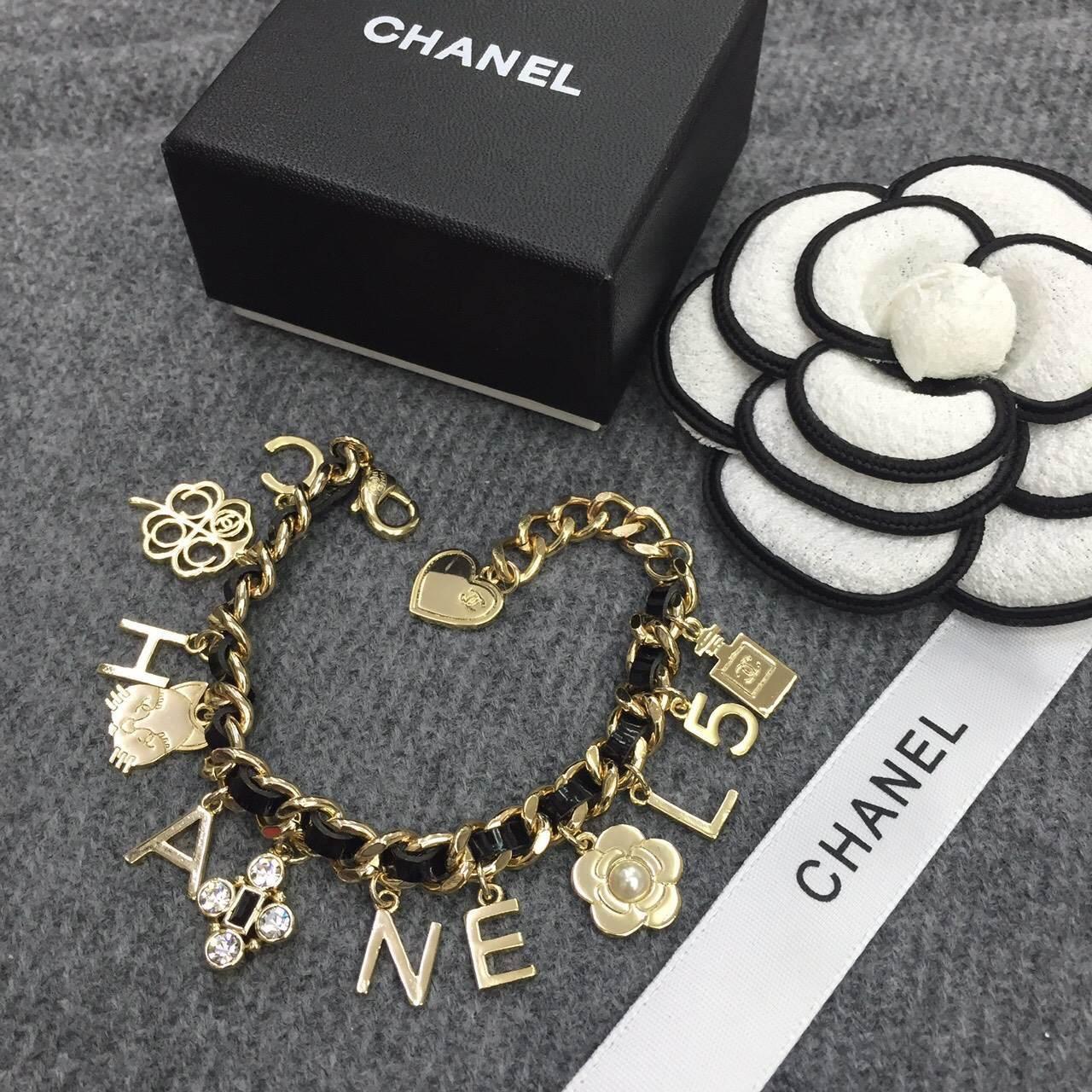 พร้อมส่ง Chanel Bracelet สร้อยข้อมือชาแนล