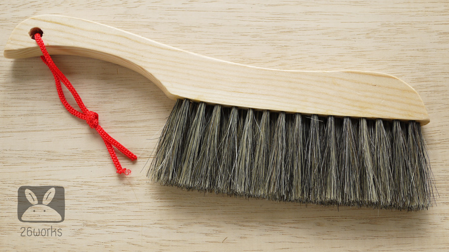แปรงปัดฝุ่นด้ามไม้ ระยะขนแปรง 18 cm