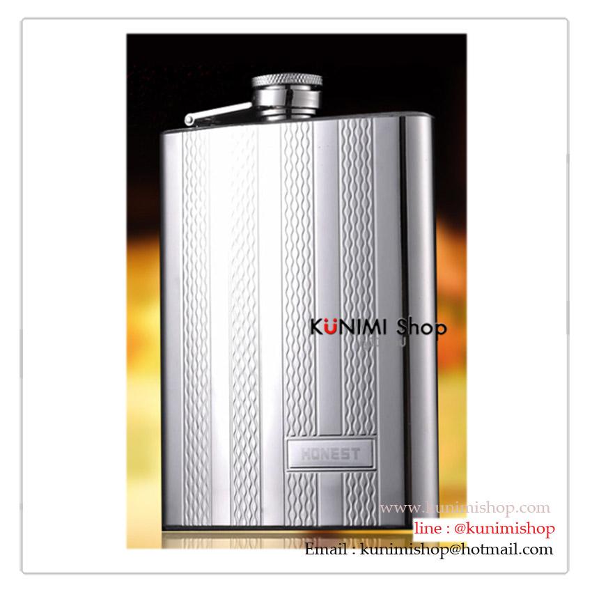 กระป๋องใส่เหล้าครบเซ็ต ประกอบไปด้วย - กระป๋องใส่เหล้า เครื่องดื่ม ขนาด 8 ออนซ์ ( 240 ซีซี) - ถ้วยแสตนเลทขนาดเล็ก 2 ใบ ใส่เครื่องดื่ม - กรวยสแตนเลส 1 อัน ขนาดความจุ 8 ออนซ์ (240 ซีซี )