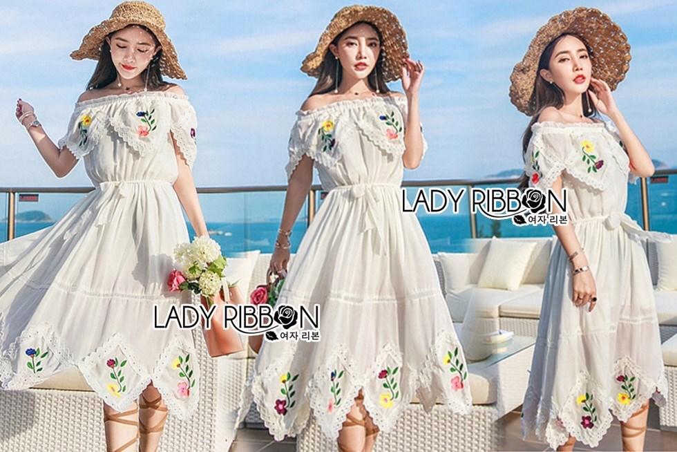 เดรสเกาหลี พร้อมส่ง เดรสผ้าชีฟอง สีขาวทรงเปิดไหล่ปักลายดอกไม้