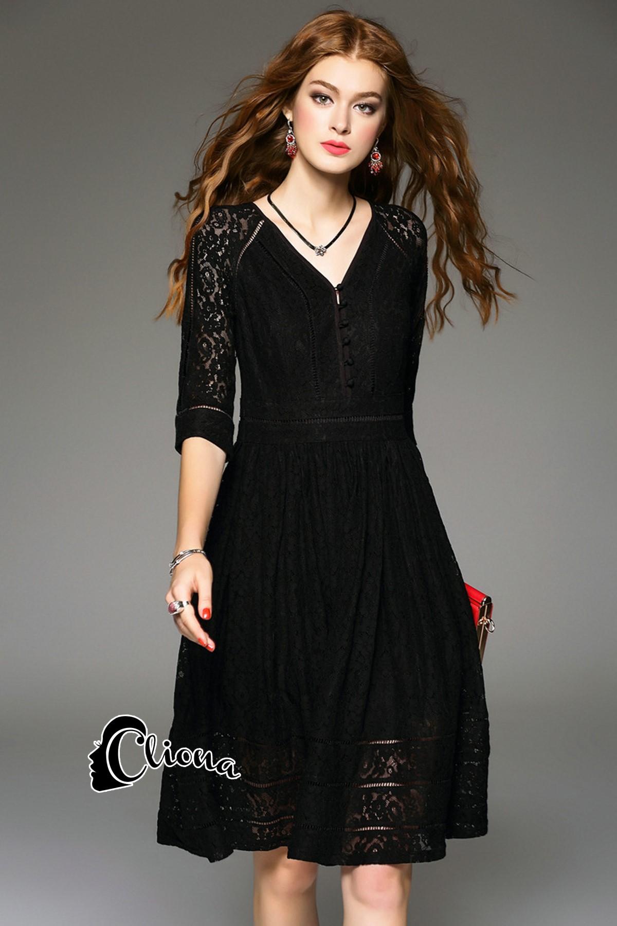 พร้อมส่ง Long dress ลูกไม้ยาว คอวี