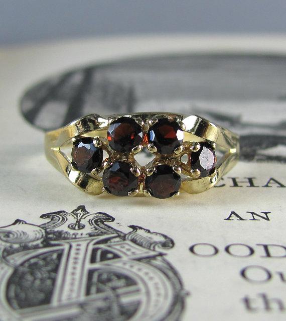 Pre-Order แหวนทองพลอยโกเมน แหวนทองสไตล์วินเทจ โบฮีเมียน แหวนทองสไตล์ของเก่าประมาณปี 1950s