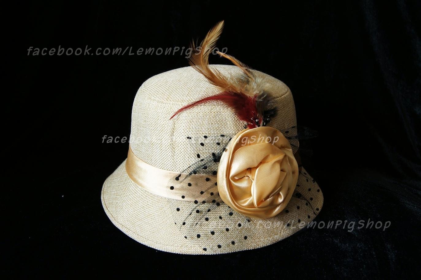 หมวกผ้าคุณนายสีครีม โบว์ทอง ขนนก 1 สวยหวานน่ารักมากๆค่ะ