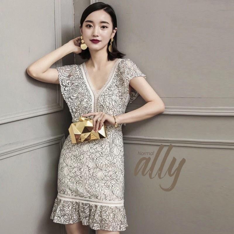 เดรส Premium Quality ค่ะ งานสวย ไฮมากๆ ใช้ผ้าลูกไม้ทอลายสวย ทั้งชุดค่ะ งานคุณภาพป้าย Normal Ally