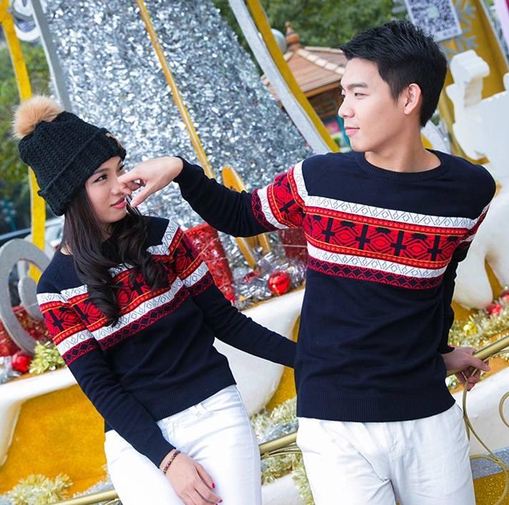 Pre Order เสื้อสเวตเตอร์คู่รักแฟชั่น แบรนด์ Taiai เสื้อแขนยาวคอกลม แต่งลายกราฟฟิก สไตล์เกาหลี มี3สี