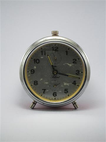 U759 นาฬิกาปลูกโบราณ prim Silent เดินดีปลุกดี ส่ง EMS ฟรี
