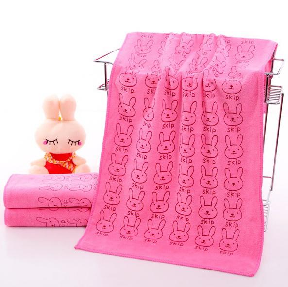 ผ้าเช็ดตัวนาโน ผ้าขนหนูนาโน ขนาด 70 x 140 cm (แบบหนา 400 gsm ) ลายการ์ตูนสีชมพู