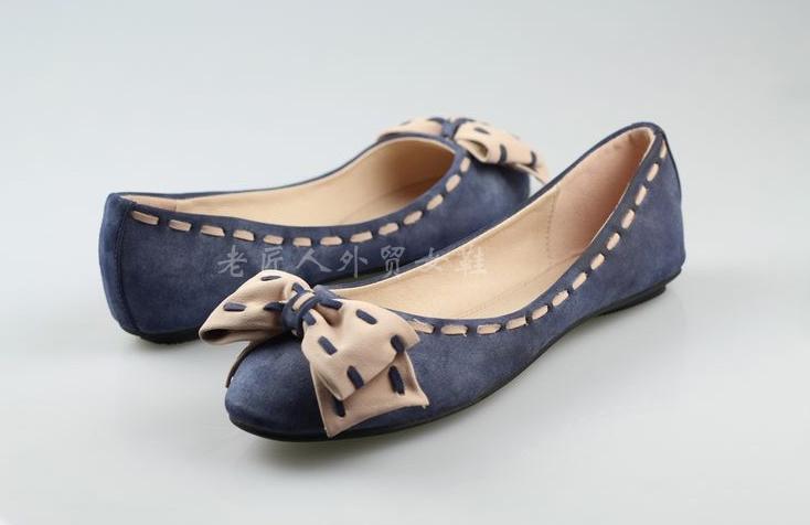 Pre Order - รองเท้าแฟชั่น ส้นเตี้ย ดีไซด์น่ารัก ติดโบว์ด้านหน้า