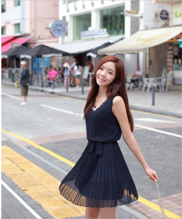 ชุดเดรสสั้น เกาหลี : เดรสชีฟองแขนกุด สีน้ำเงินเข้ม แต่งคอมุก ใส่เที่ยวสวยมากๆ ครับ ฟรีไซส์ thaishoponline (พร้อมส่ง)