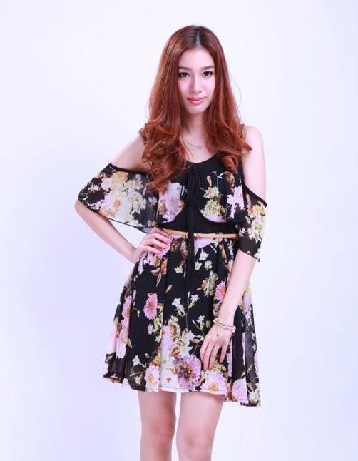 เสื้อผ้าแฟชั่นสุด Chic ชุดเดรสเว้าไหล่ ลายดอก รหัส MU150 (Size S)