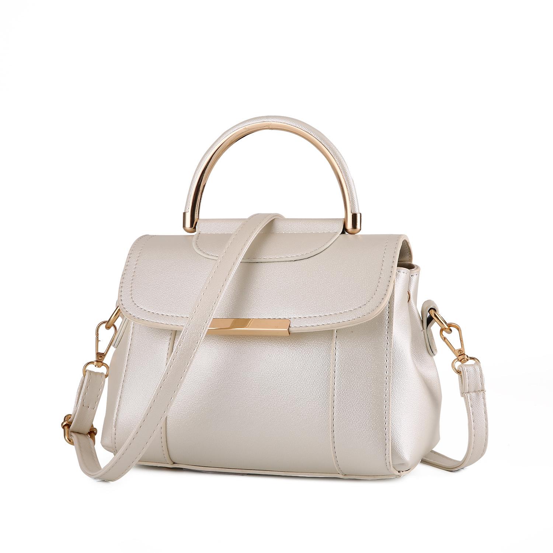 Pre-order กระเป๋าถือหรือกระเป๋าสะพายข้าง เรียบง่ายน่ารักๆ แฟชั่นเกาหลี รหัส KO-369 สีขาว