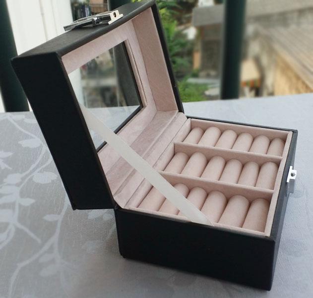 กล่องใส่แหวนงานหนังพร้อม สีดำแบบเรียบ (พร้อมส่ง)