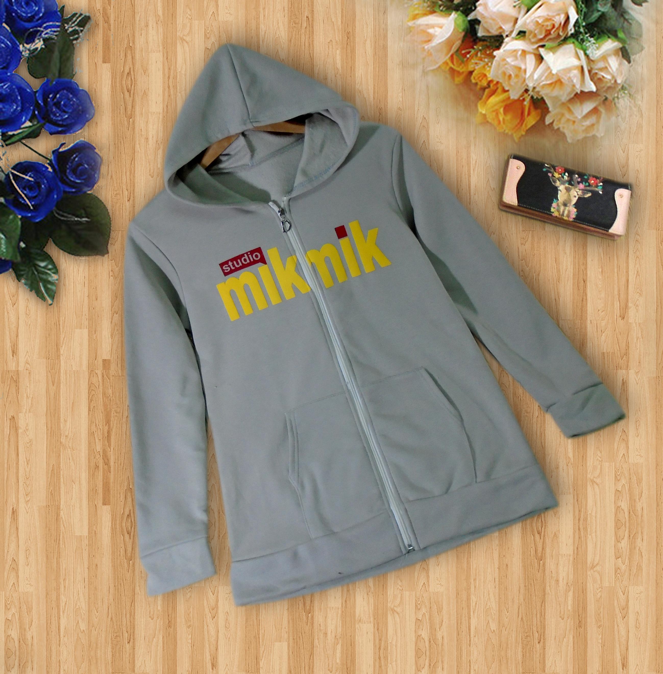 เสื้อคลุมเสื้อกันหนาว ผ้าคอตตอนไม่หนาไม่บาง ด้านในผ้าสำลีคะ ติดซิปหน้า สินค้าจริงตามแบบคะ