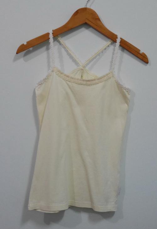 jp4125 เสื้อสายเดี่ยวผ้ายืดสีครีม รอบอก 30-32 นิ้ว