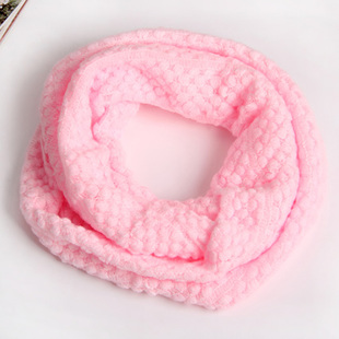 ผ้าพันคอไหมพรม สีชมพูอ่อน ( รหัส P121 )