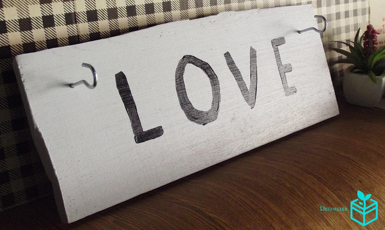 ที่แขวนกุญแจแบบตั้งโต๊ะแฮนด์เมด LOVE by DECORLIKE