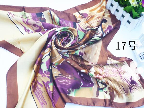 ผ้าพันคอผ้าซาติน ลายจิตรกรรม Brown Color