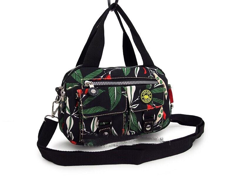 กระเป๋าเนื้อ kipling + สะพาย ใบเล็ก สีดำ ลายใบไม้