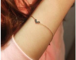 สร้อยข้อมือแฟชั่น Love 14K
