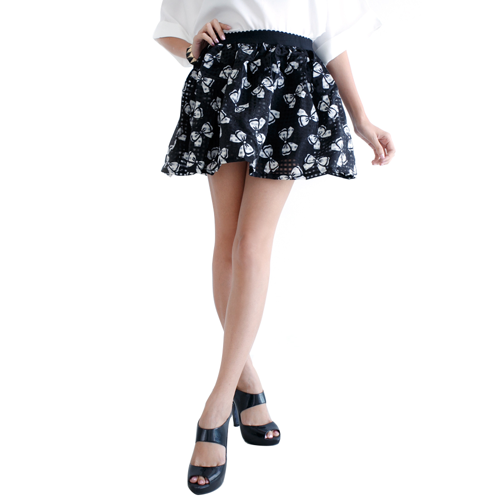 Mirror Dress's The Flare Skirt - Black Bow