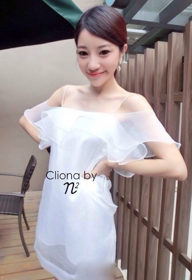 Cliona Made Raffle Dress มินิเดรสสายเดี่ยวผ้าแก้ว แต่งระบายผ้าแก้ว